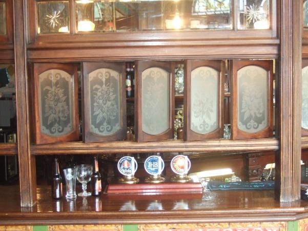 Bartons Arms Snob Screens