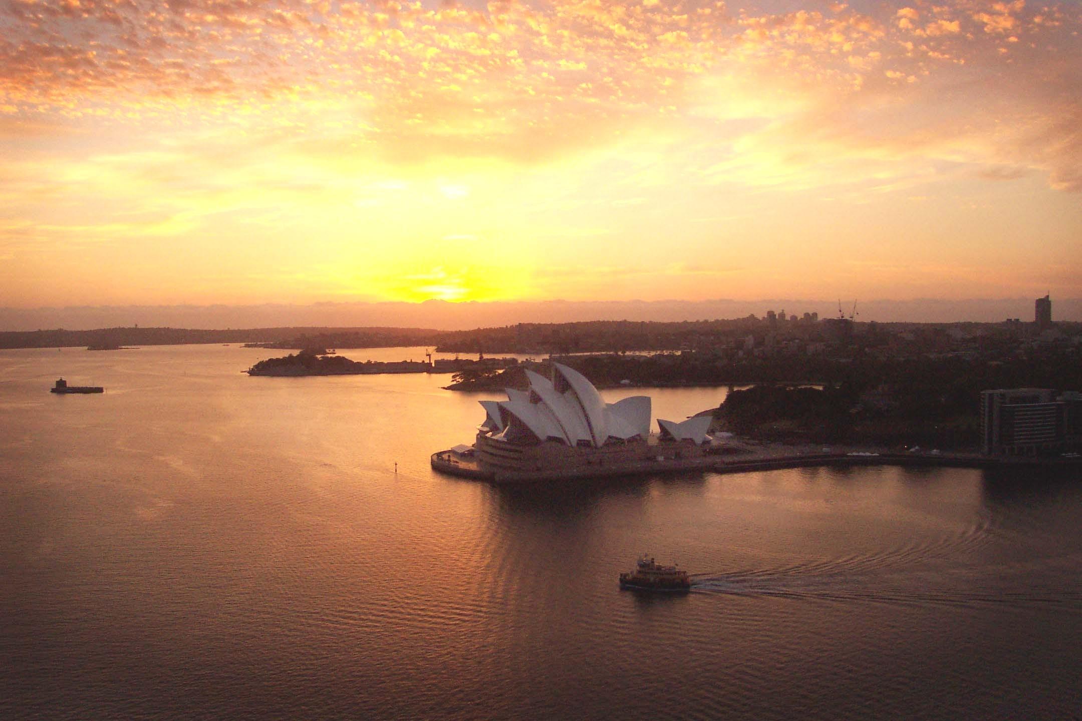 bridgeclimb-dawn-climb-sydney-opera-house