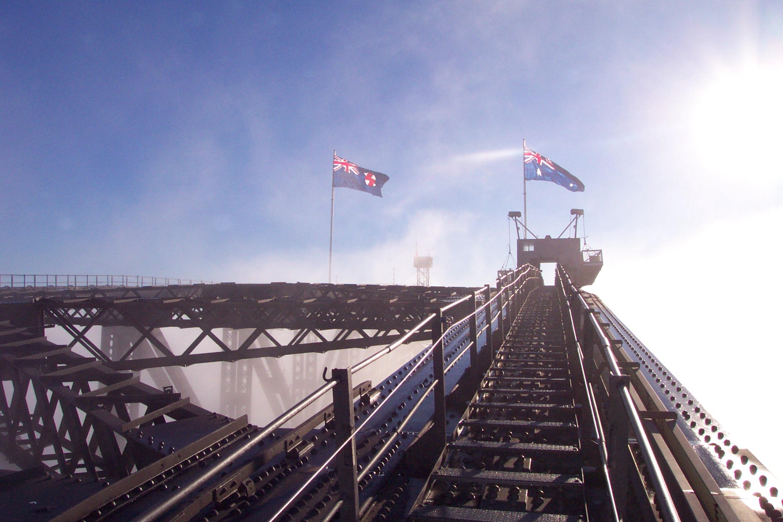 bridgeclimb-sydney-flags-morning