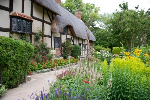 Anne hathaways Cottage2