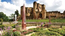 kenilworth-castle-and-elizabethan-garden
