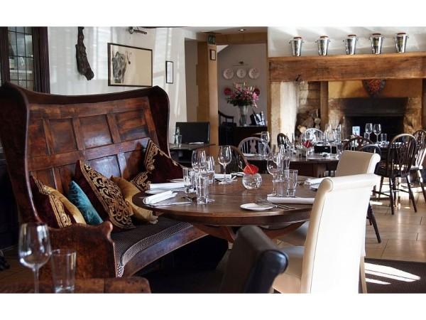Kings Restaurant (3) crop-852x639
