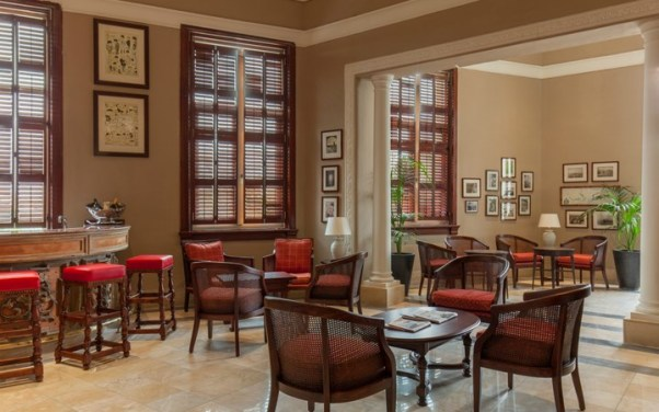 Bar Phoenicia Hotel