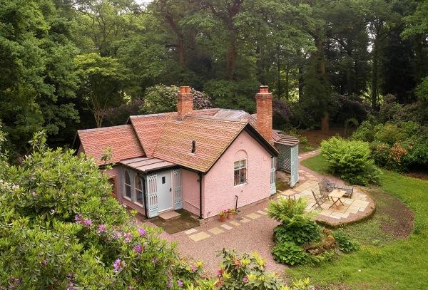 Pink Cottage (17)